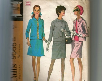 McCall's Misses' Suit In Two Versions and Blouse Pattern 9566