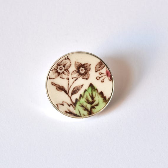 Recycled China Simple Circle Brooch - Green Leaf - Scarf Pin