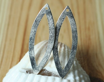 Hand hammered matte finish silver plated marquise link drop dangle size 31x11mm, 2 pcs (item ID XW02110SPK)