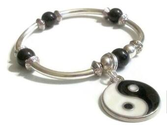 Black White Yin Yanga Charm Black Onyx Bead Silver Tube Beaded Bangle