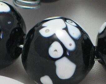 Handmade Glass Lampwork Beads, focal filler art bead Black/White 11mm round