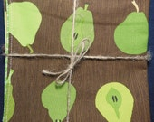 Woodgrain Pears Reversible Cloth Lunch Napkin Set