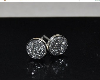 Druzy stud earrings, Silver Earrings, Quartz Titanium Druzy beads, Sterling Silver, 8mm stone, Gemstone Earrings, Stud Post Earrings