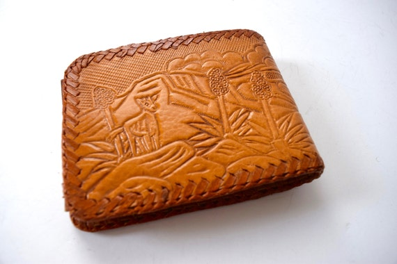 SUMMER SALE / 20% off Vintage 60s 70s Brown Tooled Leather Bifold Wallet