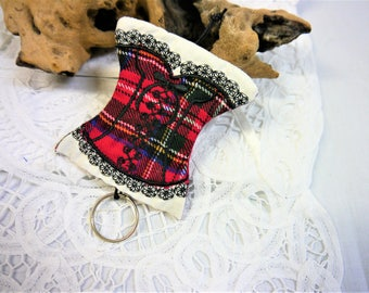 Key Holder -  Porte Cle Corset - Basque - Bustier-  Scottish  Tartan - Red Green and Black