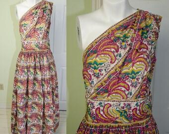 RARE 1940s Bird-Speakman Off Shoulder Cotton Ethnic Print Gown Dress B34 W26