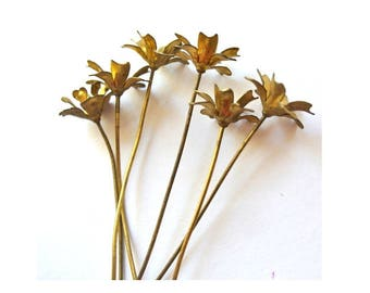 6 headpin metal flowers, RARE vintage, the flower is 15mm, the metal pin is 70mm