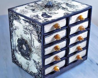 Miniature trinket chest | toile trinket box | miniature box
