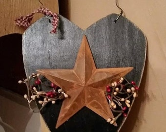 Primitive Country Wood Heart with rusty star and pip berries, Rustic Home decoration