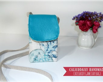 Crossbody Game Day Bag - Blue Fleur Linen and Vinyl - Stadium Bag - No. 0222