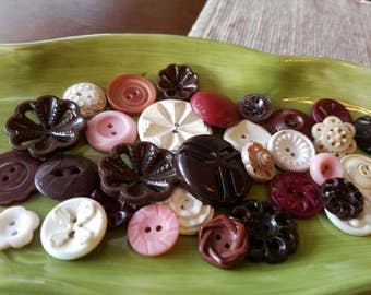 Vintage Buttons - Cottage chic mix of brown, pink  and white lot of 32 old and sweet(mar 57 17)