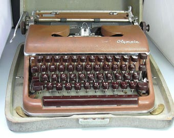Vintage Working Chocolate Brown Cursive Olympia SM 3 Typewriter with Case
