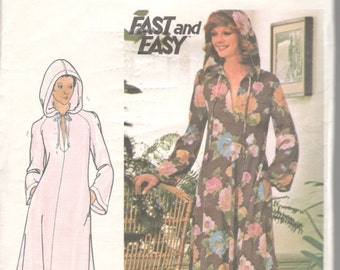 Butterick 4513 1970s Misses Hooded Pullover CAFTAN Pattern Bell Sleeves Maxi Womens Vintage Sewing Pattern Size P Bst 30 Or M B 34 36 UNCUT