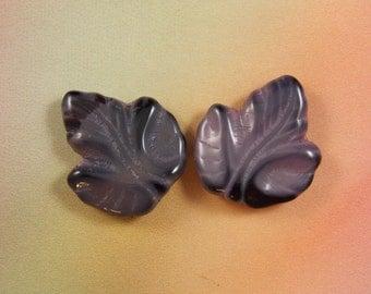 Medium Glass Maple Leaves, 14MMX15MM, 10PCS.