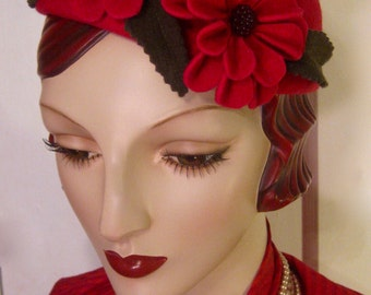 1930's Percher Hat with Sculpted Flowers