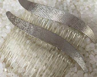 Vintage silver tone comb rair pair