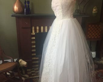 SALE Vintage 1950s Strapless Tulle and Lace Princess Wedding Dress