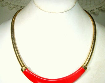 Art Deco Red and Gold Geometric Neckring, Omega Chain Necklace w Bright Lipstick Red Crescent, 1980s, Office Power Minimalist Statement