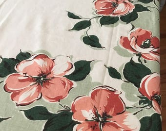 Vintage table cloth  with 12 matching napkins, Cottage chic , farmhouse  style,modern country