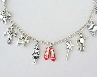 Wizard of Oz bracelet, Wizard of Oz charm bracelet, ruby slippers charm, Dorothy, Toto, cowardly lion, scarecrow, tin man, rainbow, movie