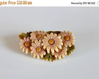 SALE vintage 30s daisies brooch / 1930s molded celluloid plastic pin / made in Japan