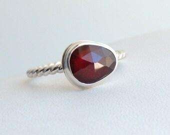 Freeform Garnet Ring Sterling Silver Rose Cut Gemstone Jewellery Size 8.5
