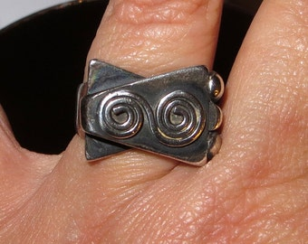 Modernist Design Sterling Silver Ring Size 8