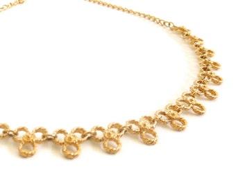 Vintage 80's Avon // Trefoil Flower Gold Necklace