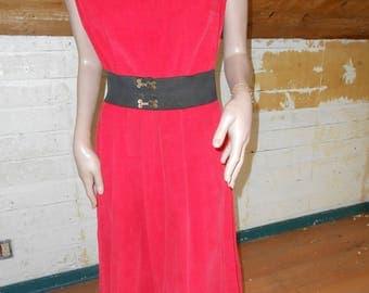 1950's Sleeveless Red Corduroy Dress w/Full Skirt/Side Zipper - Size L