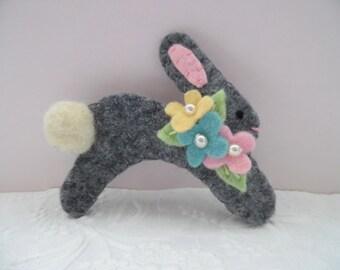 Primitive Easter Bunny Brooch Felt Pin Flowers Gray Pastel Beaded Jewelry