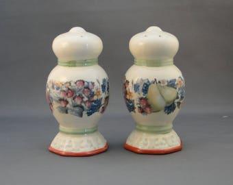 Vintage Ceramic Fruit Design Salt and Pepper Shakers, Excellent!