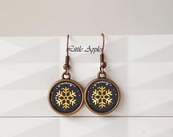Snowflakes glass earrings, Christmas earrings, yellow gold black, dangle drop, 14mm, women gift