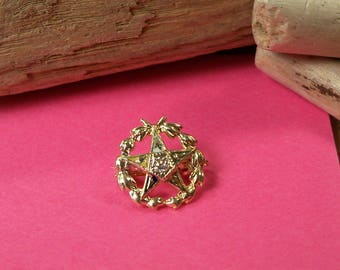 Vintage 14k Yellow Gold Top Freemason Eastern Star Pin with Diamond Accent