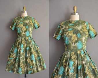 50s cotton Leaf print vintage full skirt dress. vintage 1950s dress