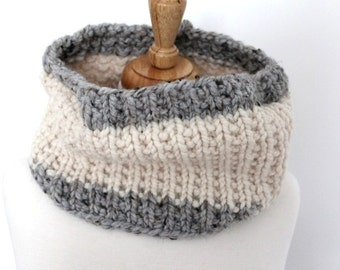 Super Bulky Hand Knit Cowl.  White.  Ivory.  Grey cowl.