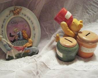 Winnie the Pooh, Christopher with friends oval frame And Pooh, honey pot bank-Classic Pooh-sale