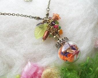 Real Flower Necklace, Orb Garden Flower Terrarium Necklace, Natural Flower Jewelry Real Flower Petals Wildflowers Fairies Welcome