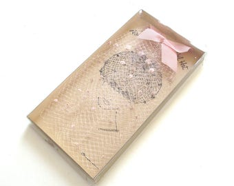 Pink Glamour Veil Hat in Box, Netting Gap with Pink Bow at the Top (A3)