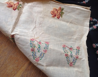 """Vintage Embroidered Material Roses 34"""" x 42"""""""