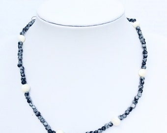 Snowflake obsidian and Simulated Pearls beaded strand Necklace vintage gemstones jewelry