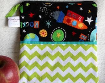 "Eco friendly Reusable Sandwich Bag - 7.5"" x 7.5""- Food safe PUL lined, Zippered, Machine Washable, Rocket / Space Theme"