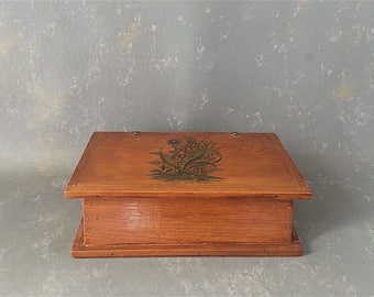 Vintage Wood Box, handmade, arts and crafts