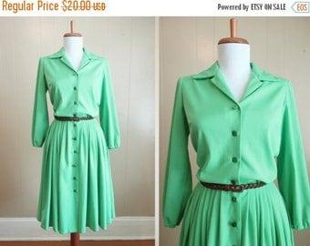 30% OFF SALE Seafoam Dress Secretary Vintage 70s Mint Button Front Shirtdress Small Medium