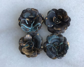 4 Patina Rusted Metal Roses, Metal Roses, Rose Lamp Part,rose pieces,rose parts,rose garland,blackened roses,flower parts,