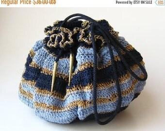 HOLIDAY SALE Vintage 40s Blue & Gold Woven Drawstring Purse Handbag