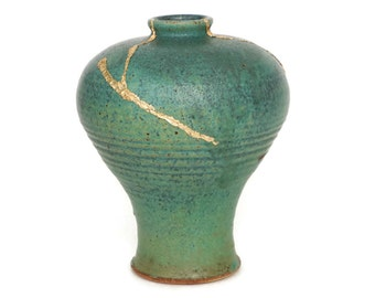Kintsugi Style Stoneware Vase in Matte Green Glaze with Meiping Form
