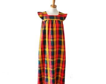 50% half off sale // Vintage 70s Mod Plaid Full Length Dress // Women Medium // autumn, fall festival