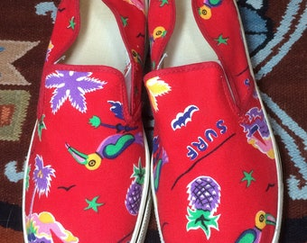 1980s Tropical patterned Surf palm tree Island sail boat slip on Canvas Sneakers Kicks Shoes size 8.5 Red vans style made in USA barely used