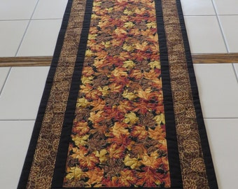 Quilted Autumn Leaf pinecone tablerunner