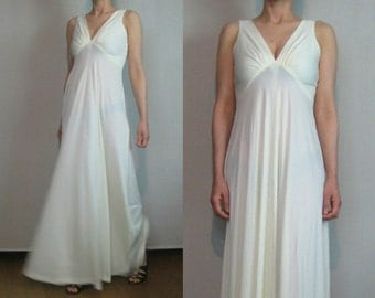 70s DEEP V EMPIRE High Waist Vintage Pleated White 180 Sweep Boho Bohemian Disco Maxi Dress Gown xs Small 1960s 1970s